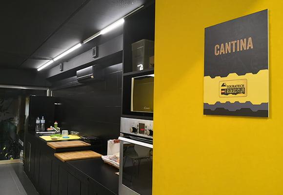 Tienda MotoCenter Madrid Cocina
